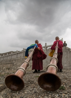 Trumpet Cleaning, Labrang, Gansu