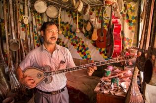 Dutar maker, Yarkand