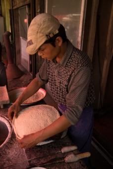 Naan baker, Yarkand