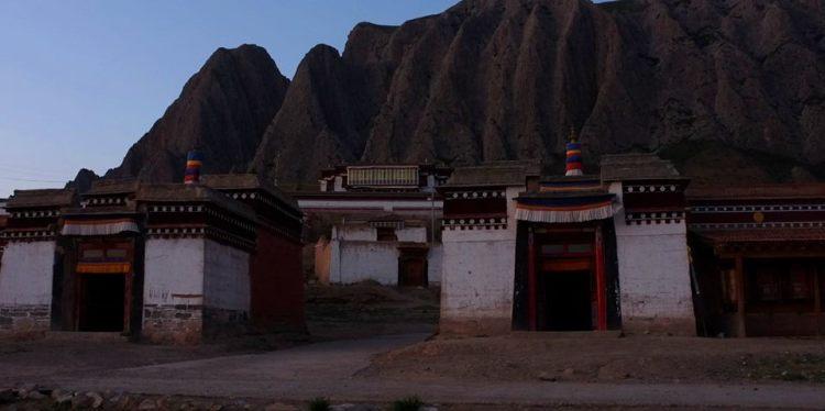 Village, Tibet