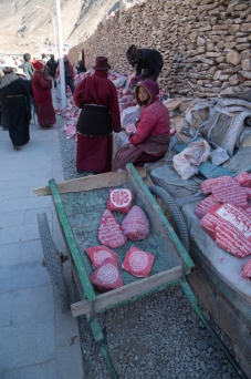 Mani stones for sale, Yushu