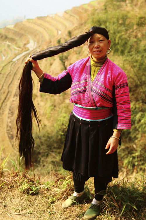 Yao lady (hair down), Longji © Jo James