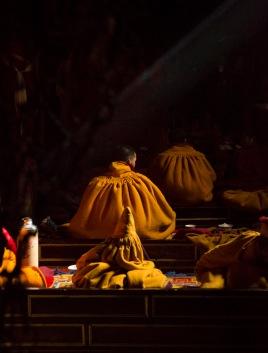 Prayers, Shalu Monastery