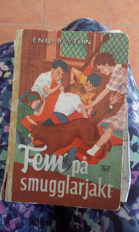 Enid Blyton speaks Swedish