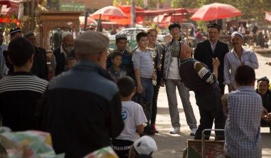 Traditional Uyghur nose-balancing act, Yarkand © Jo James